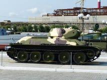 ÖvrePyshma, Ryssland - Juli 2, 2016: Sovjetisk arr för medelbehållare T-34-76 1940 av tider av världskrig II Arkivbilder