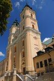 Última basílica barroca en el pueblo viejo Polonia, provincia de Podkarpackie Foto de archivo libre de regalías