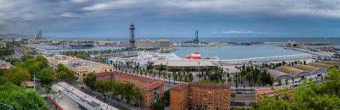 Última hora de la tarde en el puerto de Barcelona con la opinión del teleférico, España Imagen de archivo libre de regalías