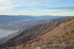 Última hora de la tarde en la opinión Death Valley California del ` s de Dante Fotografía de archivo