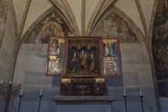 Último altar de madera gótico espléndido a partir del siglo XV en la capilla de St Magdalena, St Magdalena Kapelle, Hall In Tirol imágenes de archivo libres de regalías