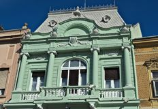 Último andar da construção do século XIX, renovado inteiramente nele a glória anterior do ` s Fotografia de Stock Royalty Free