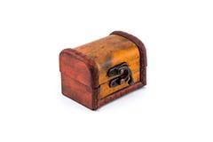 Única caixa de madeira no fundo branco Fotos de Stock