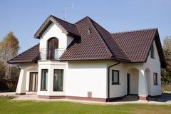 Única casa do branco da família Imagem de Stock Royalty Free