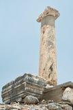 A única coluna de Ephesus, Turquia Imagens de Stock