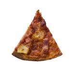 Única fatia de pizza havaiana no fundo branco Imagens de Stock Royalty Free