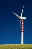 Única turbina de vento Fotos de Stock