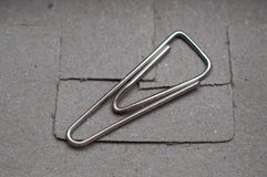 Únicos clipes isolados na caixa fotografia de stock