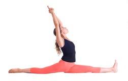 Übende Yogaübungen/Affe werfen - Hanumanasana auf Stockbild