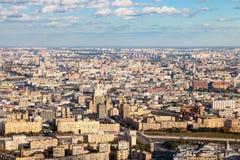 Über Ansicht der Mitte und südwestlich Moskau-Stadt stockbilder