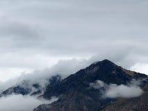 Über dem Nebel Stockfoto