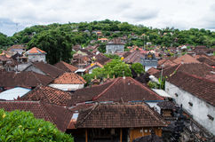 Über den Dächern von Padang Bai Lizenzfreies Stockbild