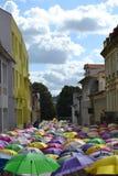 Über den Regenschirmen Lizenzfreies Stockfoto