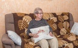 Über der Großmutter mit 80 Jährigen Lizenzfreies Stockbild