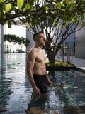 Über Mann 40 mit großem Körper Lizenzfreies Stockbild