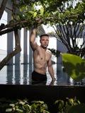 Über Mann 40 mit großem Körper Lizenzfreie Stockbilder