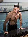 Über Mann 40 mit großem Körper Stockfotografie