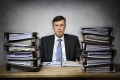 Überarbeiteter deprimierter Geschäftsmann Lizenzfreie Stockfotografie