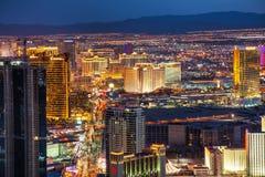 Überblick über im Stadtzentrum gelegenes Las Vegas in der Nacht stockfotos