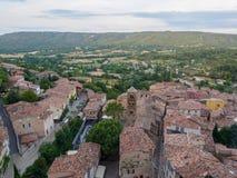 Überblick über Moustiers-Sainte-Marie, Frankreich stockbild
