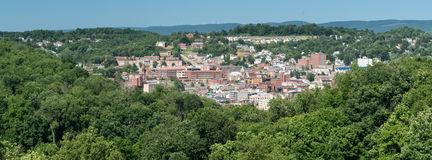 Überblick über Stadt von Morgantown WV Lizenzfreie Stockbilder