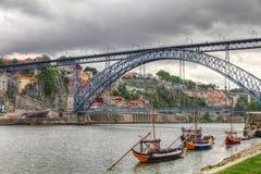 Überbrücken Sie Ponte dom Luis, Oporto, Portuga Lizenzfreie Stockfotografie