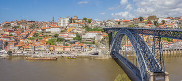 Überbrücken Sie Ponte Luis I und Skyline von Porto Lizenzfreies Stockbild