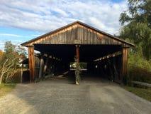 Überdachte Brücke in Maine USA Lizenzfreie Stockfotografie