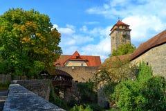 Überdachte Brücke in Rothenburg-ob der Tauber Lizenzfreies Stockbild