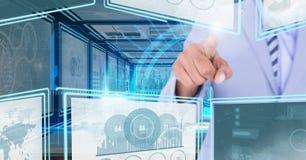 Übergeben Sie das Berühren und das Einwirken auf Technologieschnittstellenplatten Lizenzfreie Stockfotos