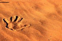 Übergeben Sie Druck im Sand in der Namibischen Wüste Lizenzfreie Stockbilder