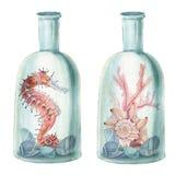 Übergeben Sie gezogene Aquarellseezusammensetzung mit alter Flasche Stockfotos