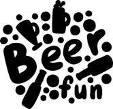 Übergeben Sie gezogene Vektor ` Bier ` Beschriftung mit dekorativen Elementen stockbild