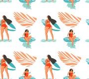 Übergeben Sie gezogener Vektorzusammenfassungs-Sommerzeit nahtloses Muster mit Surfermädchen im Bikini auf dem Strand und der tro lizenzfreie abbildung