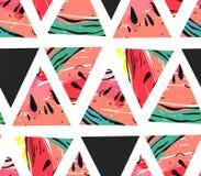 Übergeben Sie gezogener Vektorzusammenfassungscollage das nahtlose Muster mit Wassermelonenmotiv- und -dreieckhippie-Formen lokal lizenzfreie abbildung