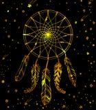 Übergeben Sie gezogenes goldenes indianisches dreamcatcher mit Federn bea Stockfotografie
