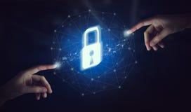 Übergeben Sie rührende Schnittstelle online und Ikone SchlüsselverschlussNetwork Connection auf Schirm lizenzfreie stockbilder
