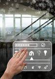 Übergeben Sie rührende Tablette mit intelligenter Hauptschnittstelle und Verbindungsstücken Lizenzfreie Stockfotos