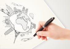 Übergeben Sie Zeichnungsurlaubsreise um die Erde mit Marksteinen und c Stockbild