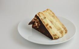 Überlagerter Kuchen des Tiramisu Stockfotos