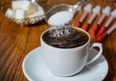 Übermäßiger Verbrauch des Zuckers stockfotos