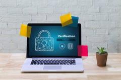 Überprüfungs-Aktionsfachleute, die Prozessleistungs-PA bearbeiten Lizenzfreies Stockfoto