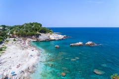 Überraschende Ansicht über Damouchari-Strand, Griechenland lizenzfreie stockfotos
