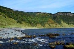 Überraschende Bucht-und Seeklippen Bearreraig stockfotografie
