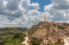 Überraschende Landschaft mit Matera, Italien - europäische Hauptstadt der Kultur im Jahre 2019 lizenzfreie stockfotos