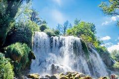 Überraschender Kravice-Wasserfall in Bosnien und Herzegowina Stockfotografie