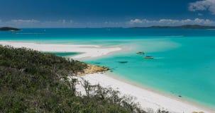 Überraschender Whitehaven-Strand in den Pfingstsonntagsinseln, Queensland, Australien stock footage