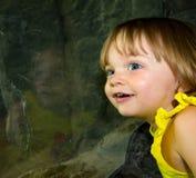 Überrascht zwei Jährige Stockbild