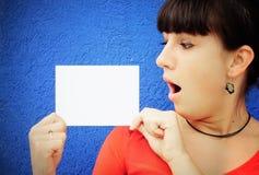 Überraschte junge Frau Lizenzfreie Stockbilder