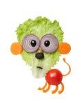 Überraschter Löwe gemacht vom Gemüse auf weißem Hintergrund Lizenzfreie Stockfotos